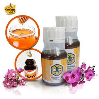 madu propolis perpaduan produk lebah berkualitas tinggi madu dan propolis. Salah satu manfaat utama dari propolis yaitu sebagai anti virus dan bakteri.